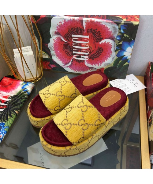 GUCCI SUMMER WEDGES