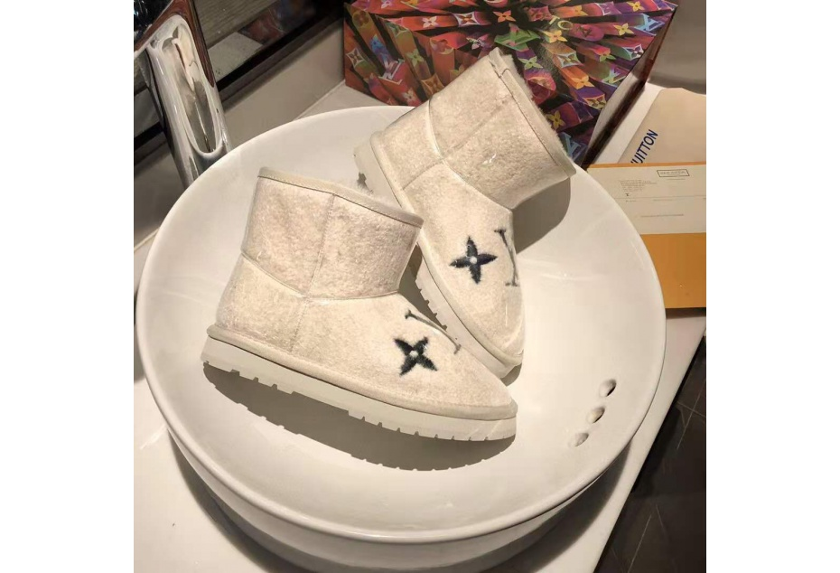 LV SHEEP ANKLE BOOTS